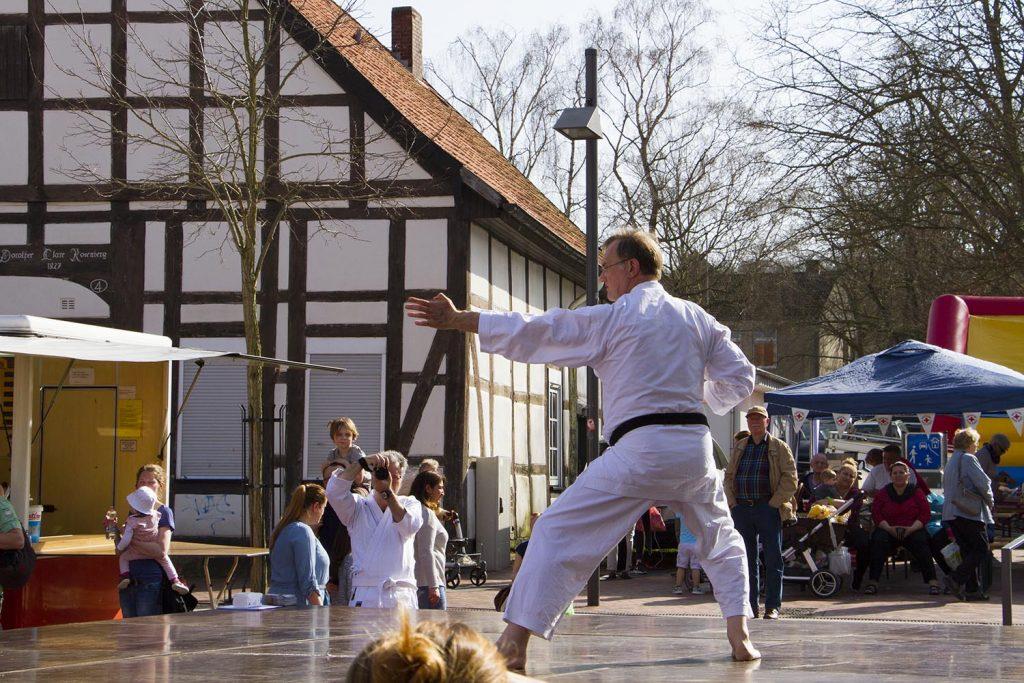 Karateverein Barsinghausen beim Frühlingsmarkt mit verkaufsoffenem Sonntag 2018 in Barsinghausen - © Unser Barsinghausen e.V.